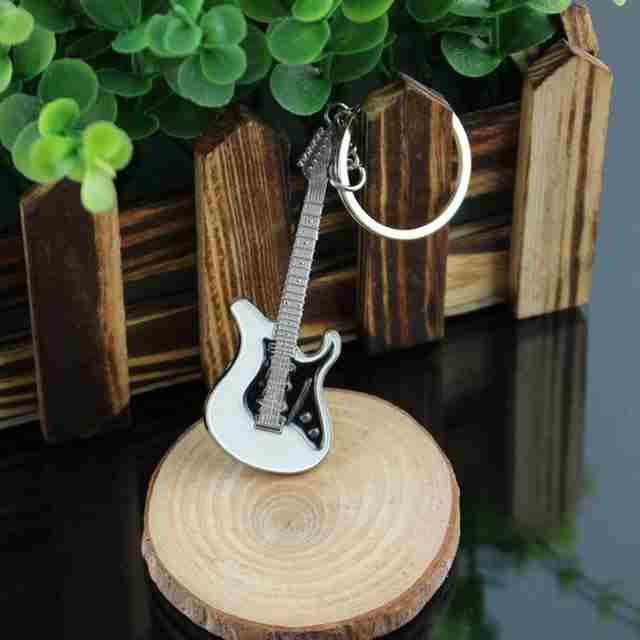 gitara-brelok