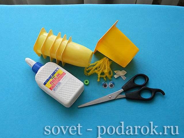 podelka-iz-stakanchika-shag-1