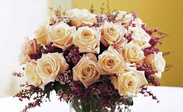 kremovye-cvety