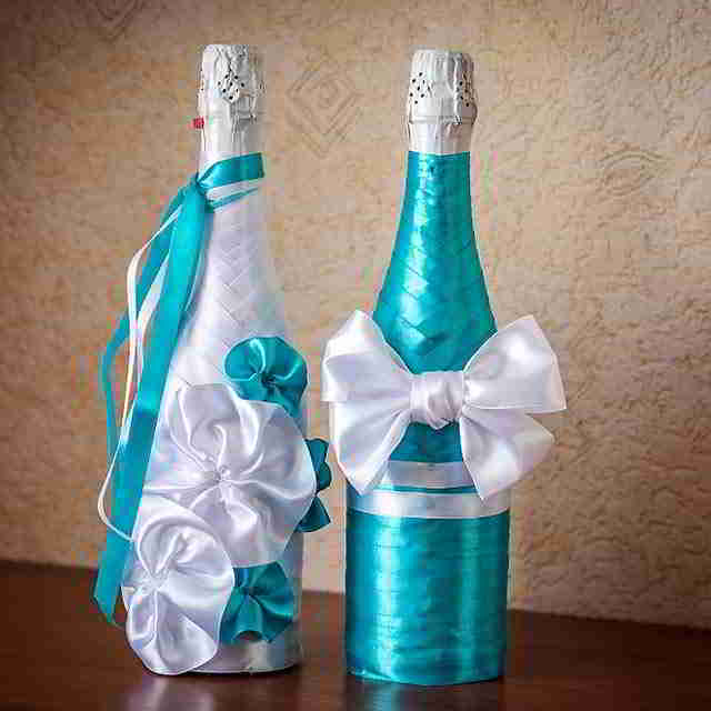 Бутылка, украшенная лентами