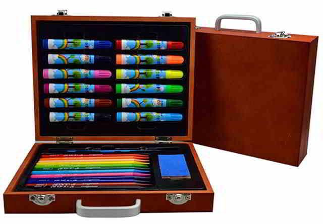 Набор для художника из 26 предметов