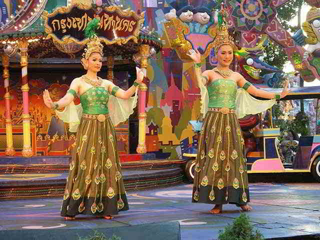 тайские танцоры