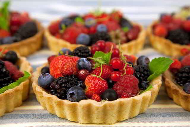 Тарталетки с ягодой