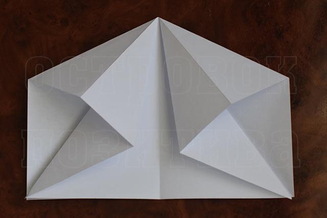 Как сделать из бумаги робот который летает 100 метров
