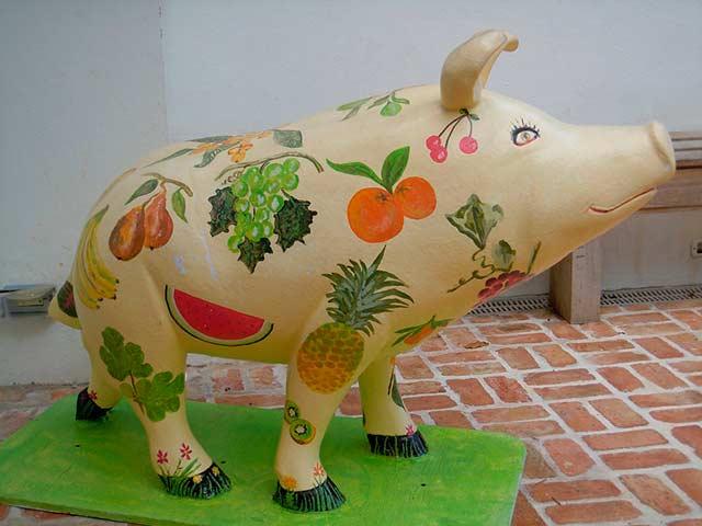 копилка в форме свиньи