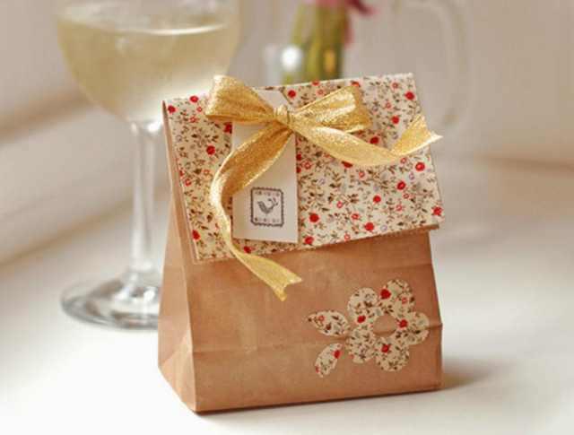 Подарок жене на день рождения без денег купить тюльпаны на 8 марта оптом г изюм