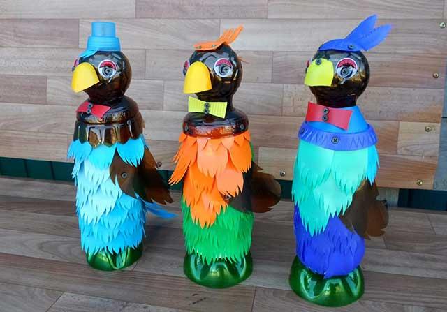 попугайчики из пластиковых бутылок