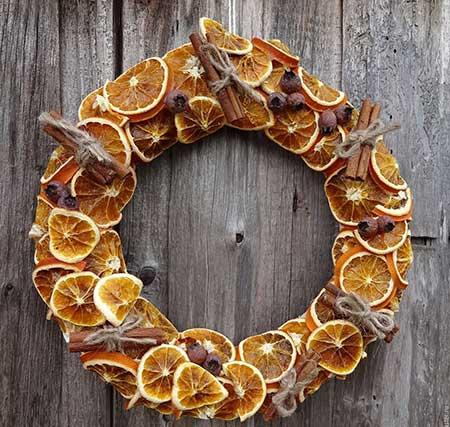 новогодний венок из апельсина