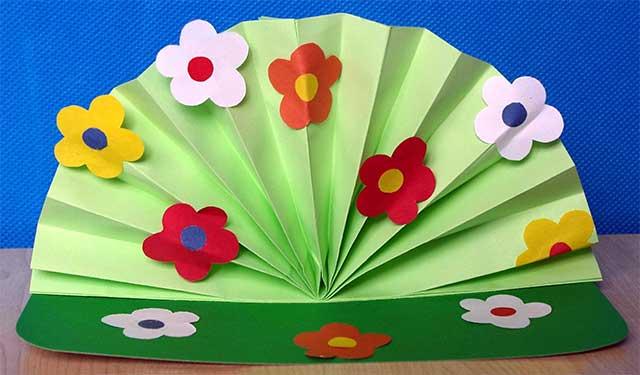 веер с цветами