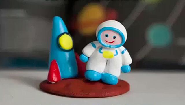 поделка космонавт из полимерной глины