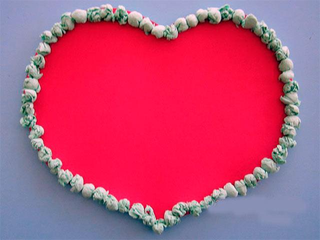 шарики из салфеток по краю сердца
