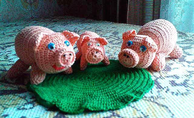 вязаные свинки крючком