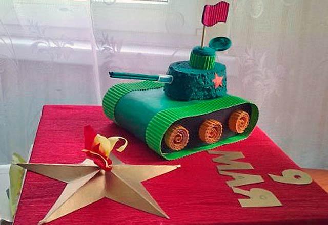 поделка танка со звездой из бумаги