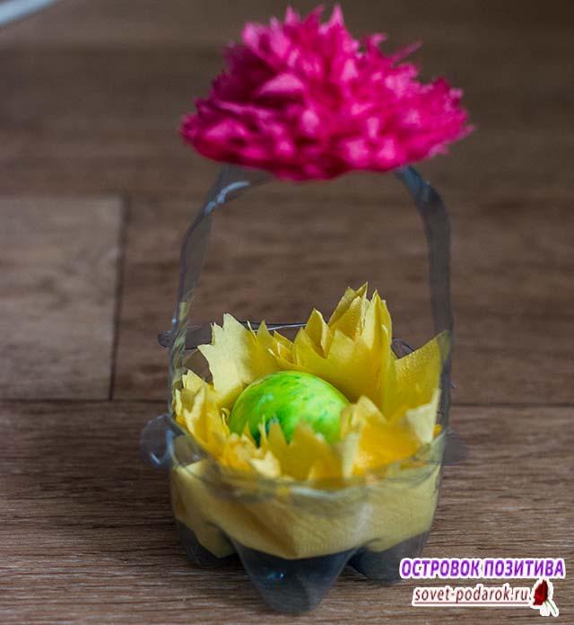 корзинка на Пасху для яиц своими руками из пластиковой бутылки