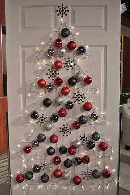 елка на двери