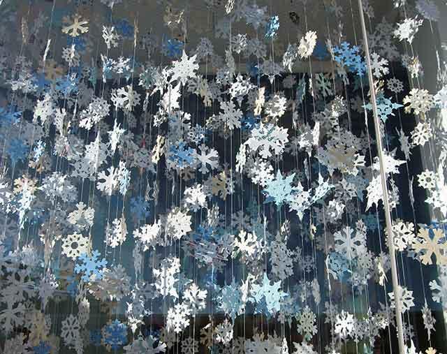 снежинки на ниточках