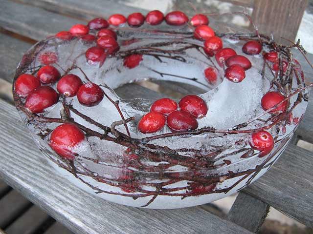 новогодний венок из ягод