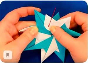 Объемные снежинки из бумаги на Новый год 2021. Шаблоны и схемы для вырезания + пошаговые инструкции и фото готовых простых и красивых снежинок