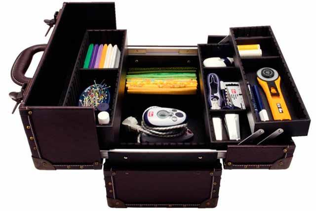 чемоданчик для швеи