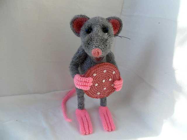 игрушка милая мышка