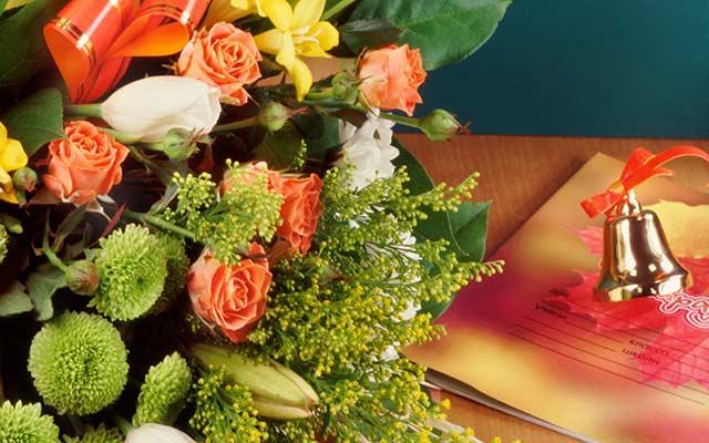 цветы и колокольчик