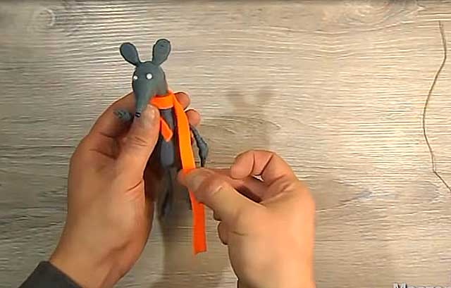 поделка мышка с шарфиком