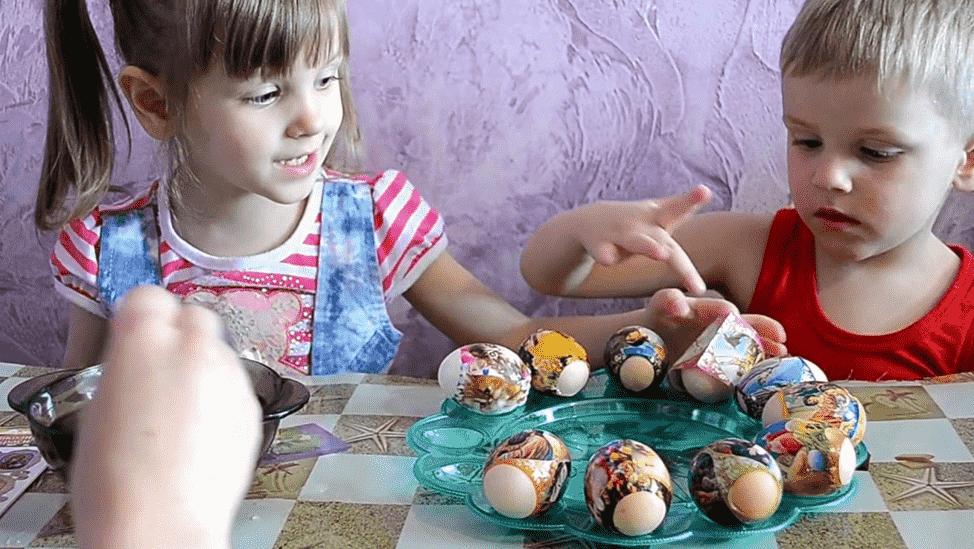 дети готовятся к Пасхе
