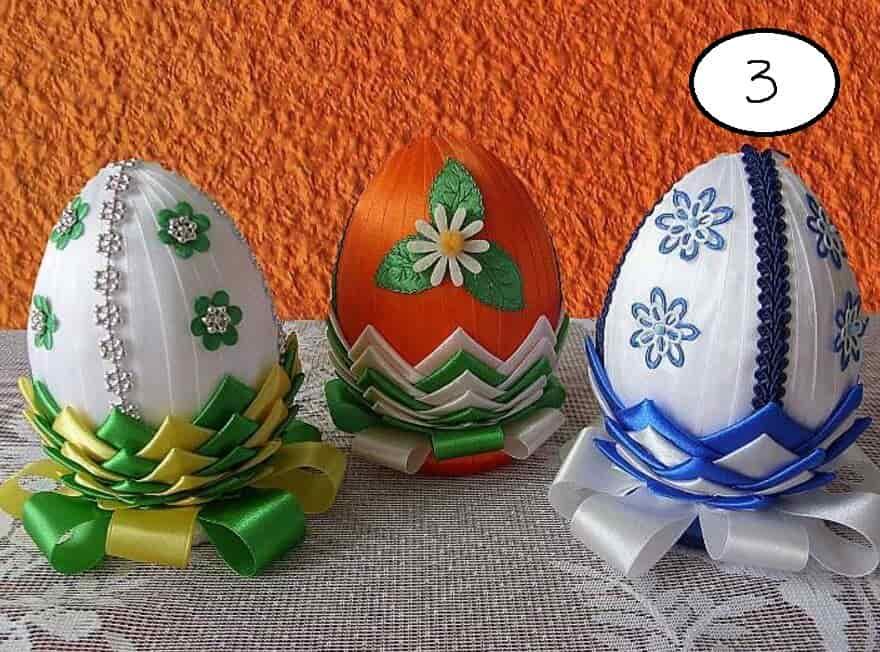 яйцо украшенное лентами