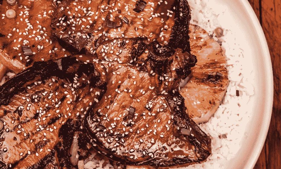 Говяжье мясо под соусом