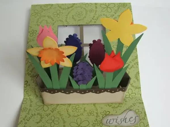 основа с цветами в корзине